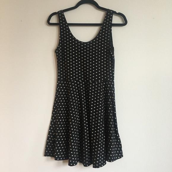 Dresses & Skirts - Black sleeveless printed skater dress
